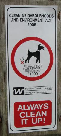 lowestoft_dog-sign.jpg